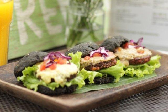 Restoran makanan sehat via tripadvisor.com
