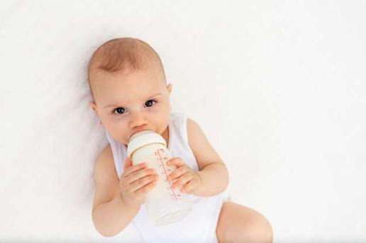 Cara membersihkan botol susu bayi via freepik ala tim duniamasak.com