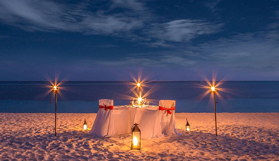 Dekorasi Dinner Romantis via kuredu.com