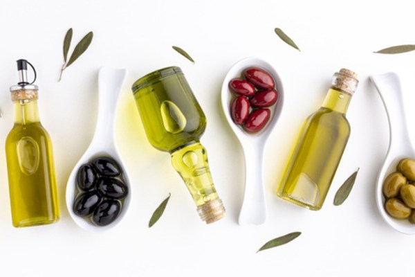 Extra virgin olive oil mpasi via freepik ala duniamasak