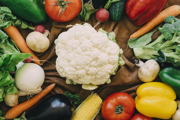 Buah dan sayur via freepik ala duniamasak
