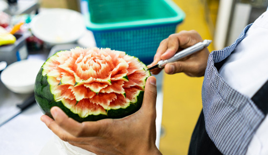 Seni ukir buah fruit carving via freepik ala duniamasak