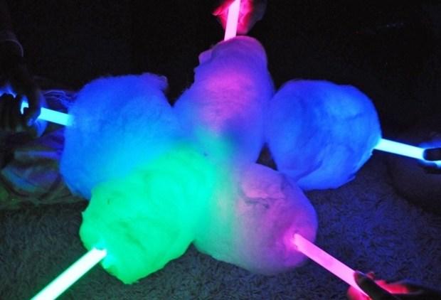 Glow Cotton Candy via Canopykinping.com