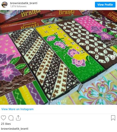 Makanan bermotif batik brownies batik via instagram ala tim duniamasak.com