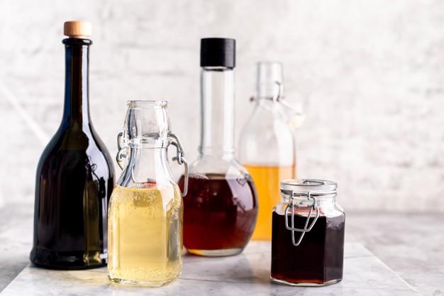 Jenis  beragam macam cuka vinegar via freepik ala duniamasak
