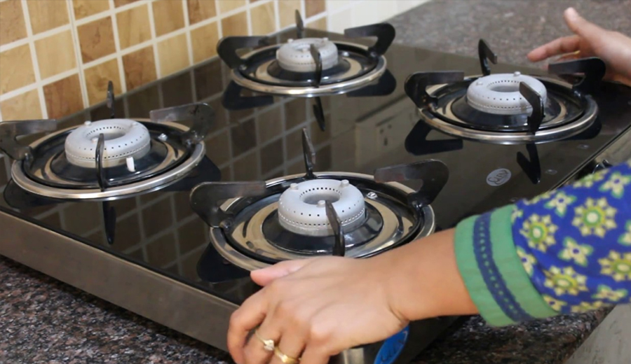 membersihkan kompor agar awet ala duniamasak via sevenstonesinc.com