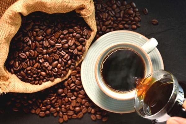 Seduh kopi arabika via freepik ala duniamasak