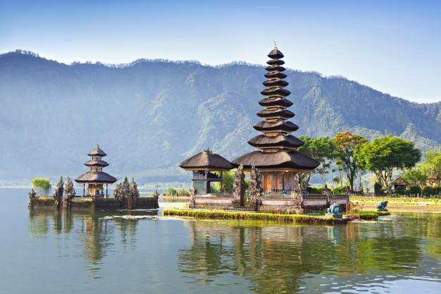 Kota wisata liburan bali ulun danu temple via freepik ala duniamasak