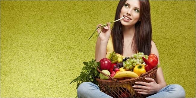 Makan buah via vemale.com