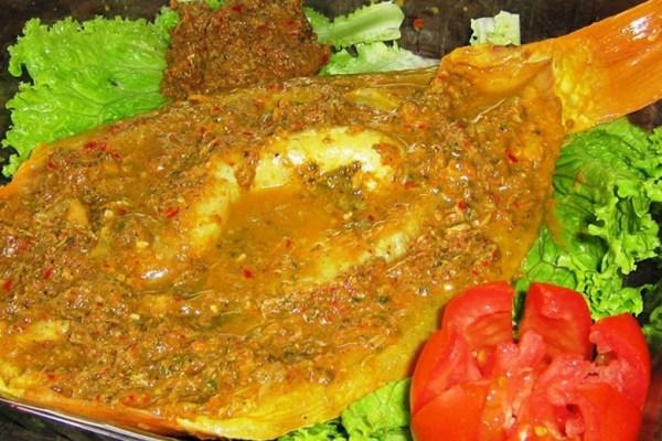 Makanan khas Nia kofo-kofo via bisniswisata.co.id ala tim duniamasak.com