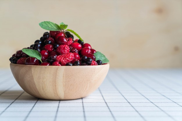 Makanan sumber Resveratrol buah-berry corona via freepik ala duniamasak