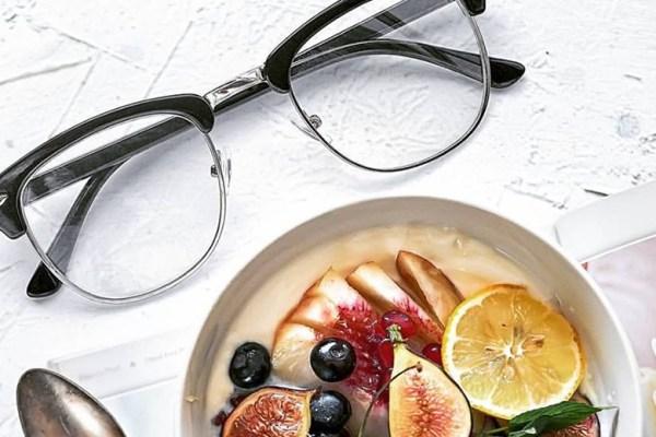 Konsumsi Makanan Berikut Bagi Mata Minus via michikolatte