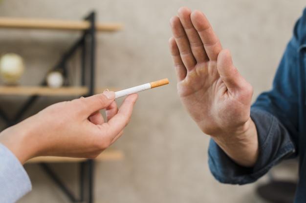 Berhenti merokok via freepik ala duniamasak