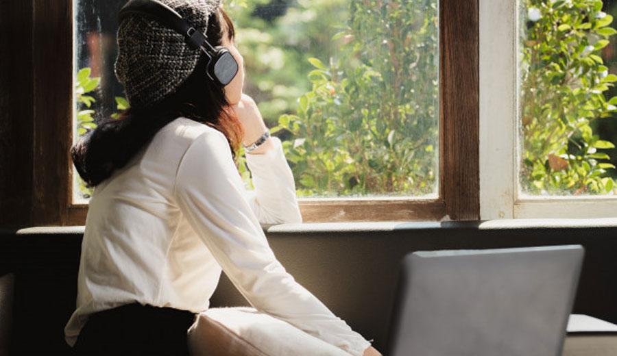 Mengatasi homesick via freepik ala tim duniamasak.com