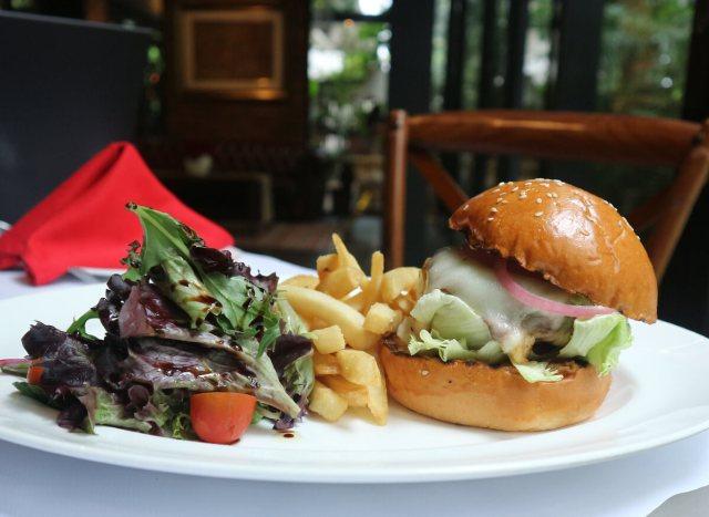 Patio Burger via dok. Duniamasak.com