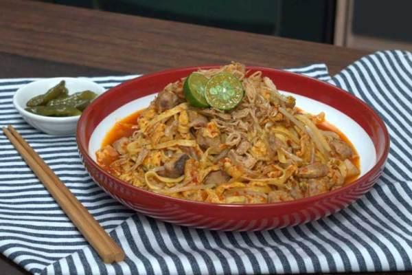 Kuliner Khas Batam mie tarempa via happyfresh.id ala tim duniamasak.com