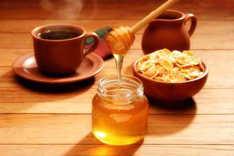 Minuman hangat kopi rempah madu via freepik ala duniamasak
