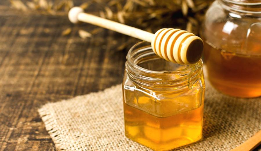 Resep Minuman hangat dari madu dikala hujan via freepik ala duniamasak