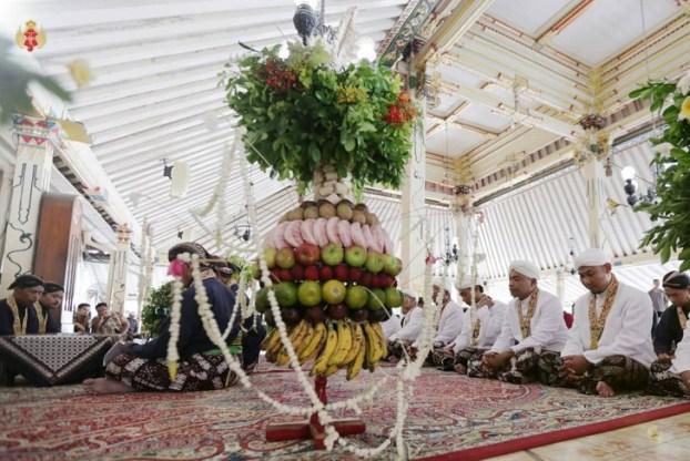 Perayaan isra miraj Hajad Dalem Yasa Burak via merahputih.com ala duniamasak