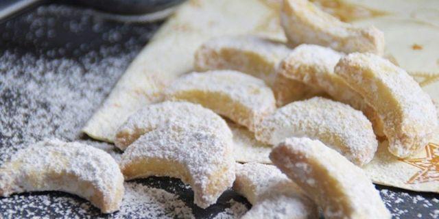 Resep Putri Salju Coklat Resep Kue Kering Natal ala Duniamasak via idntimes.com