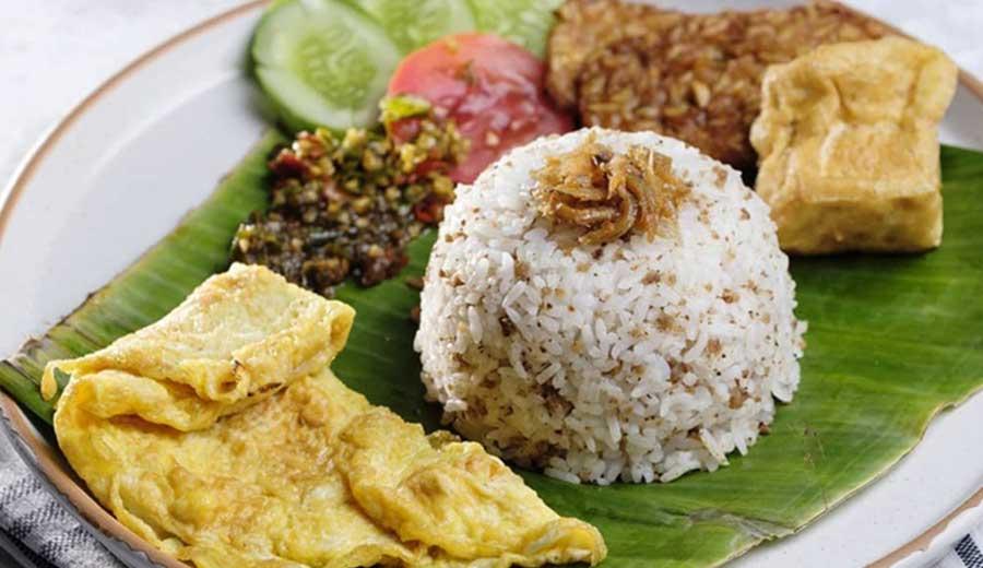 Resep nasi tutug oncom via merahputih.com ala tim duniamasak.com
