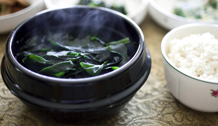Resep sup rumput laut via diningwithoutlaws.com ala duniamasak