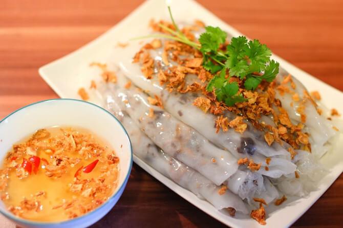 Banh cuon, kue beras Vietnam via thebestvietnamesefood ala duniamasak
