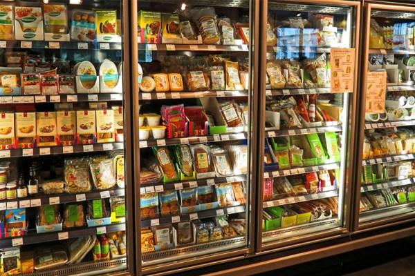 Menggunakan showcase agar produk tertata rapi ala DuniaMasak via pixabay.com