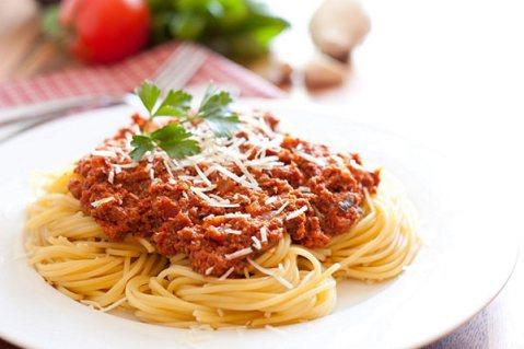 resep kreasi rendang spaghetti rendang via ayobandung.com ala tim duniamasak.com