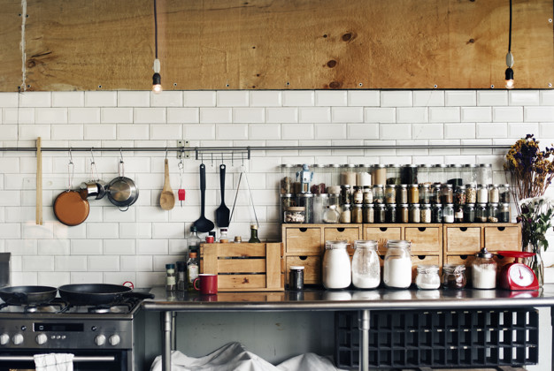 Tips Membeli Peralatan Rumah Tangga via freepik ala tim duniamasak
