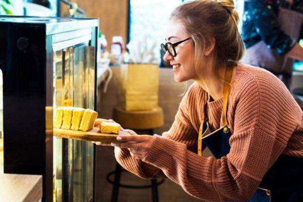 Tips menyimpan kue via freepik ala tim duniamasak.com