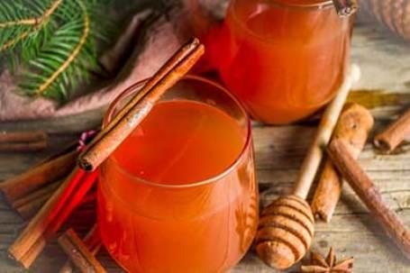 wassail minuman khas natal inggris via freepik ala tim duniamasak.com