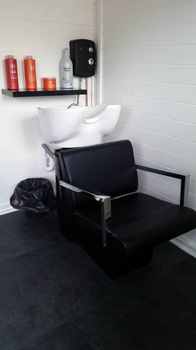 Customer Reviews: PremiumPlus Lantera Log Cabin Dunster House Hairdresser Salon Interior
