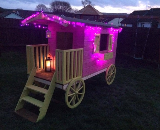 Customer Reviews of Spiel Wagon from Dunster House