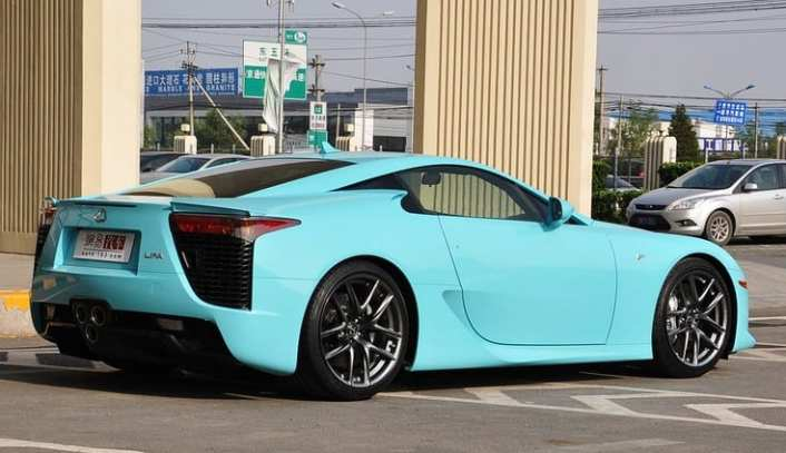 lexus-lfa-baby-blue-china-3