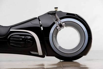 tron-motorcycle-(3)