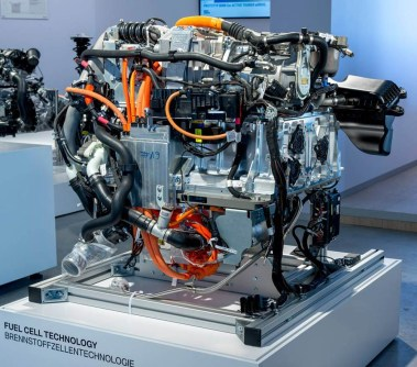 bmw-hydrogen-fuelcell-070715 (2)