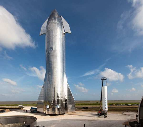 SpaceX and Elon Musk Finally Unveil Starship Prototype