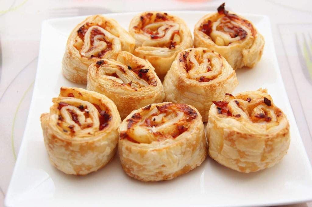 I would kill for some pizza rolls right now