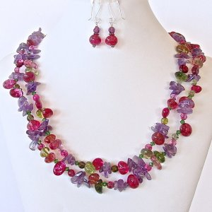 Beaded_multi_colored_necklace_1024x1024