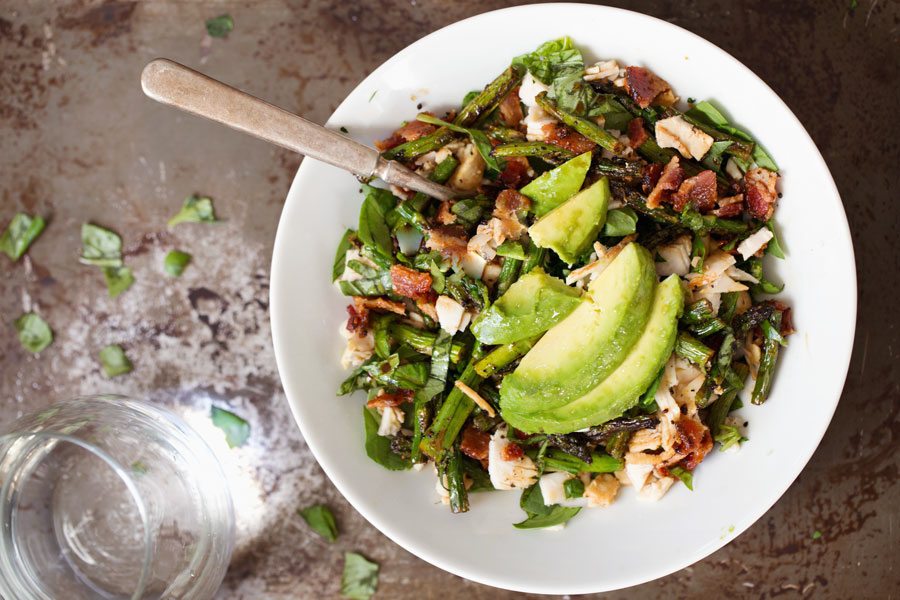 Healthy Food: Chicken-Bacon-Avocado-Salad