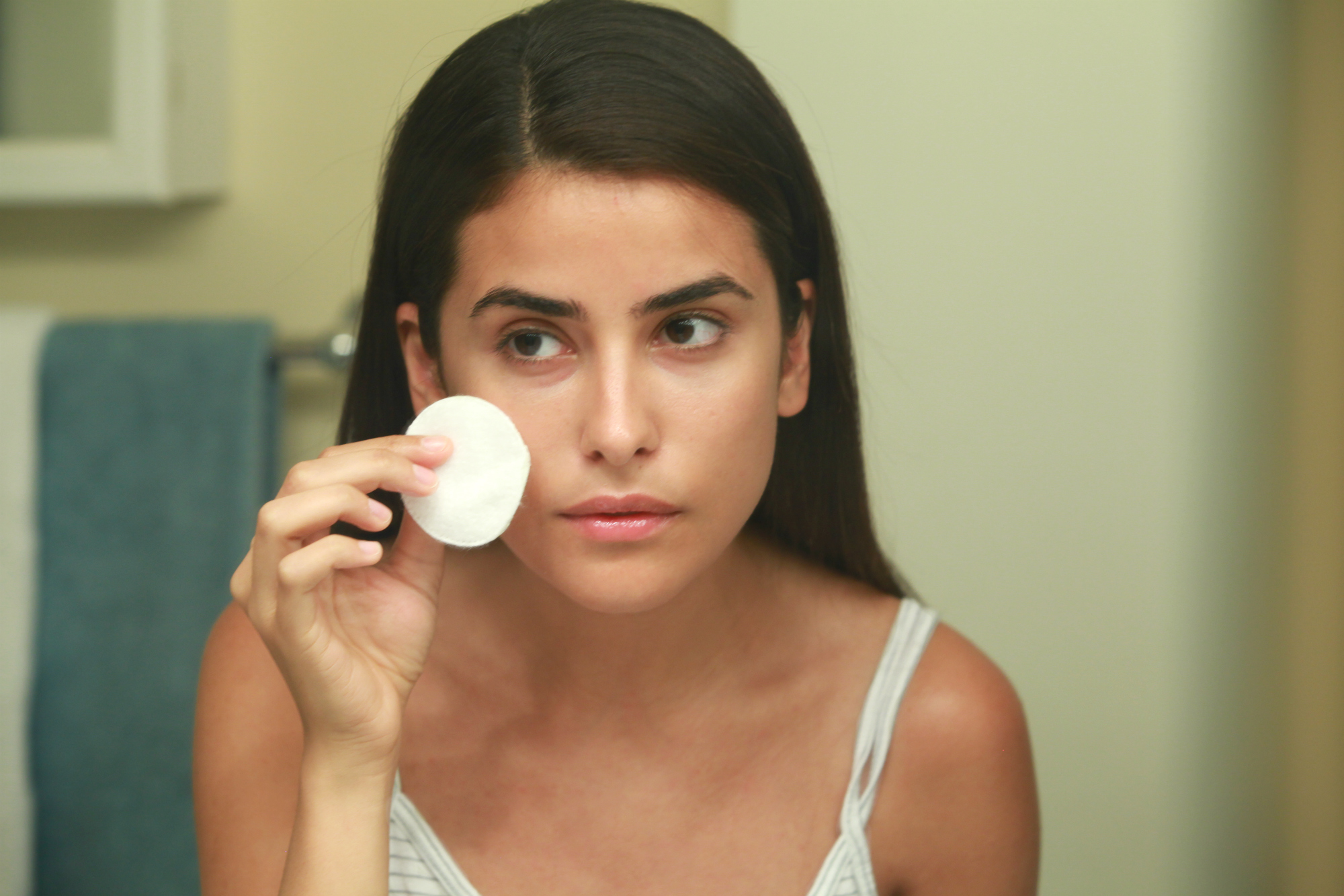 say bye to acne post-workout with these diy face wipes | eboost blog