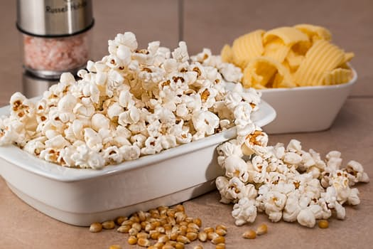 popcorn snack salty food - How to Time Your Fiber Intake to Feel Fuller Longer
