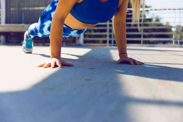 workout female pushups