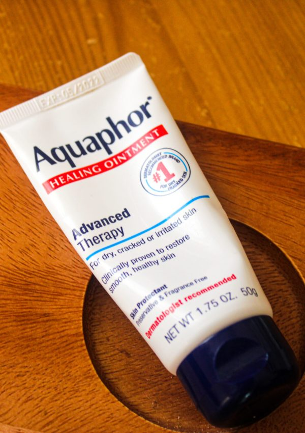 Aquaphor Healing Ointment Advanced Therapy – 2021 Review