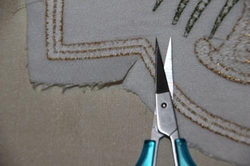 Clipping corners on quatrefoil design