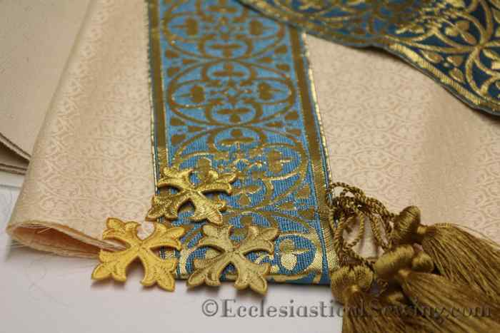 st-dominic-blue-tassesl-gold-crosses-on-york-brocade