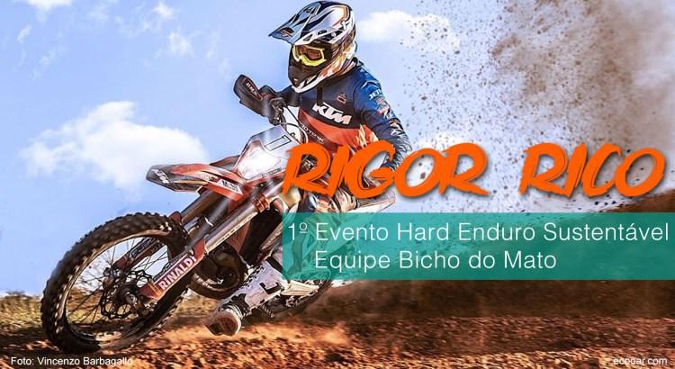 Foto mostra Rigor Rico em sua moto