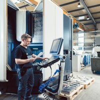 How to Become a CNC Machinist