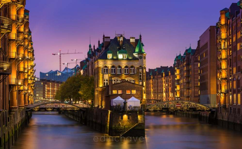 The City of Hamburg Germany - image  on http://blog.edinchavez.com